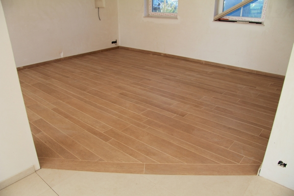 Parquet sur carrelage for Carrelage imitation parquet belgique